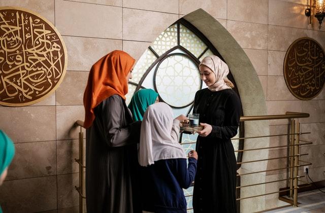 كرسي النساء العالمات في المنطقة الأسيوية